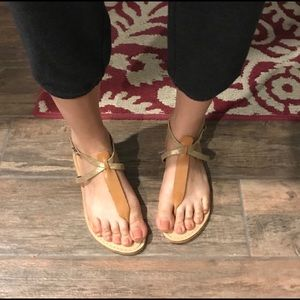 Niccolo Vacari thong leather sandals. Size 8